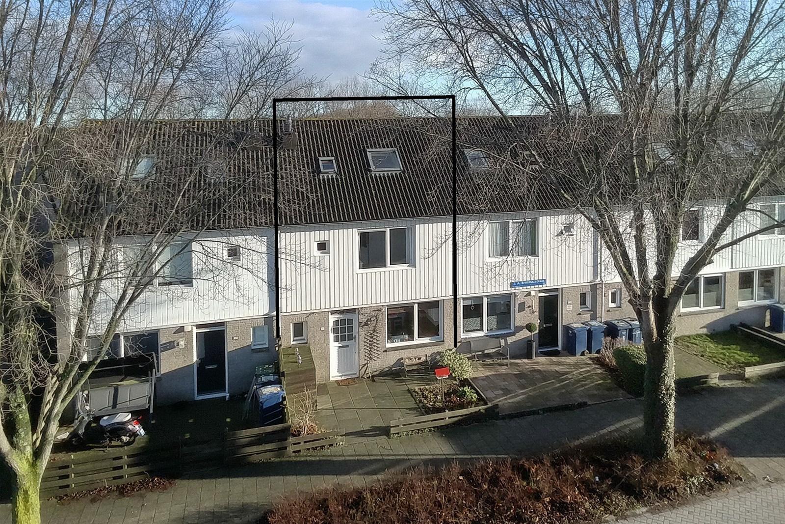 Badkamer Almere Buiten : J a brinkmanstraat almere de linden makelaardij