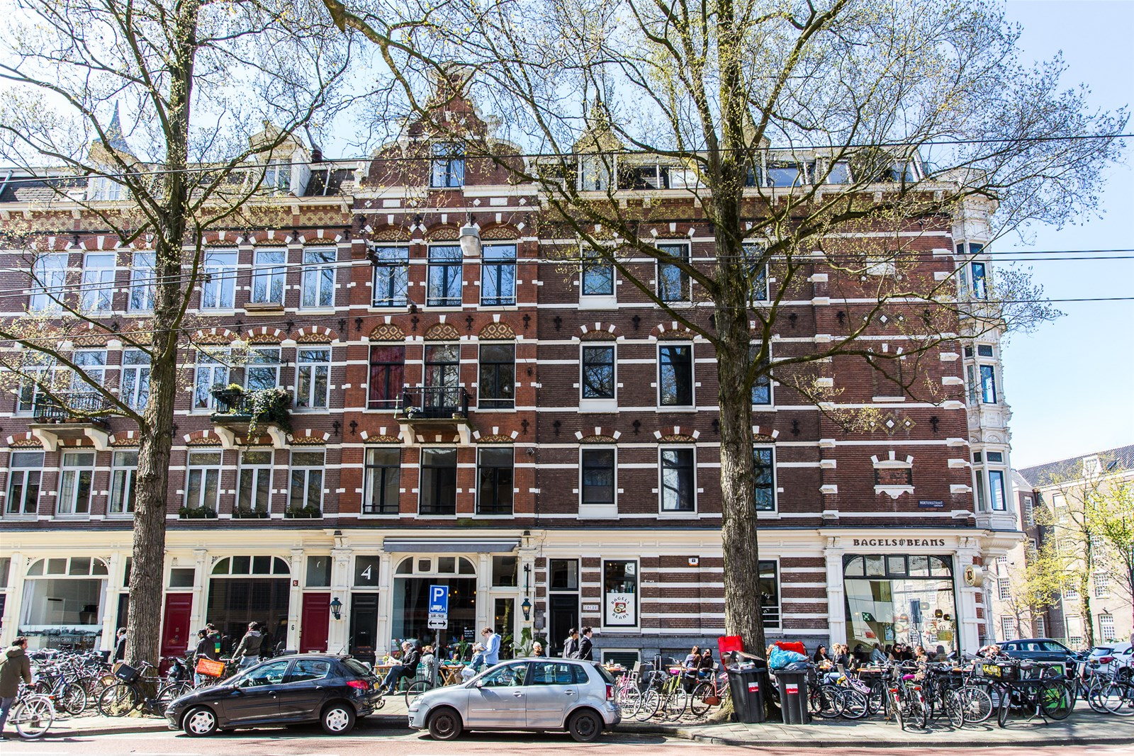 In hartje Amsterdam kun je deze kamer á 6 m² huren voor €878,- per maand
