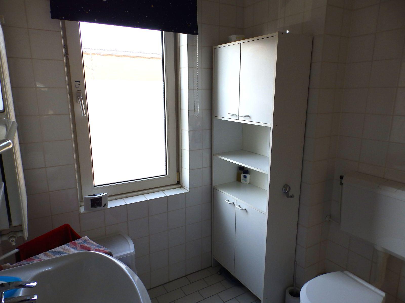 mooie betegelde badkamers: badkamer update huis katrijn joey, Badkamer