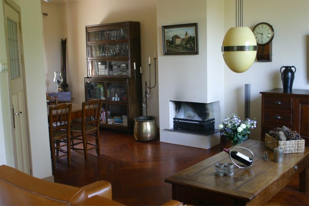Openhaard In Woonkamer : Foto woonkamer vanaf voorzijde naar openhaard helft van dubbel