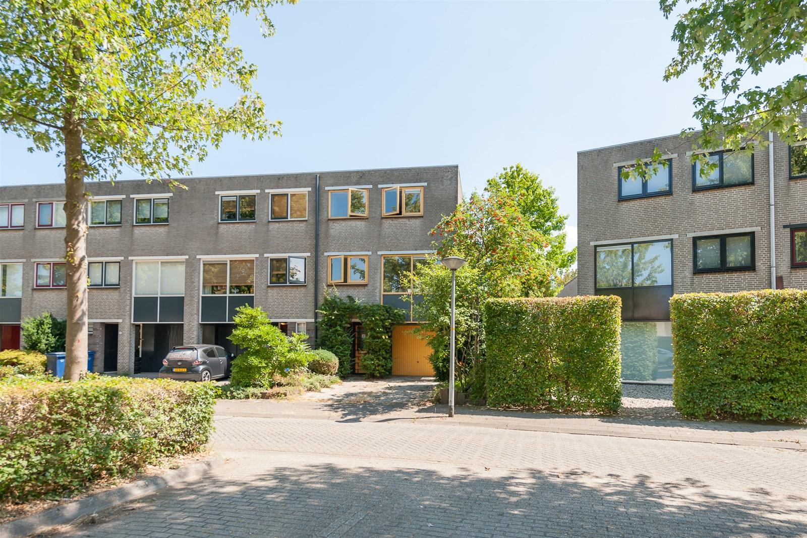 Complete Badkamer Almere : Preludeweg 27 almere muziekwijk vhm makelaars almere